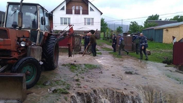 На Прикарпатье оценили ущерб из-за паводка