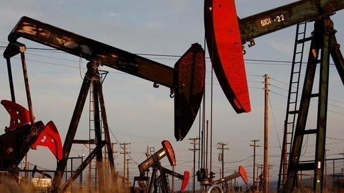 Нефть подешевела после рекордного роста