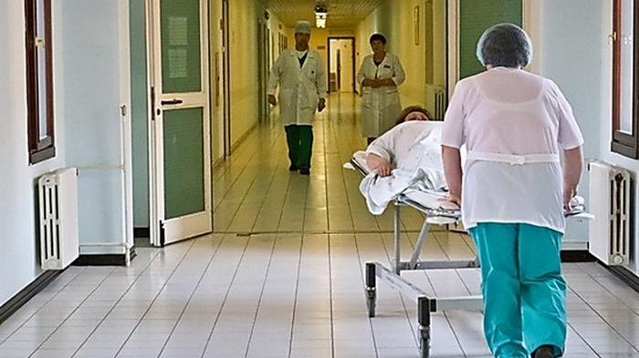 Больница в Мукачево переполнена пациентами с коронавирусом