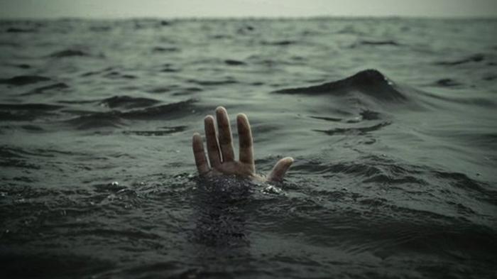 В Китае затонуло судно, около 30 человек оказались в воде