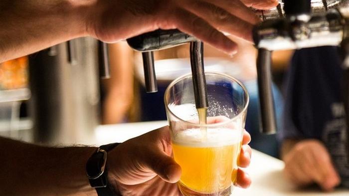 В Бразилии бар тайно работал под вывеской зоомагазина