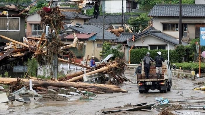 Японцам массово приходят сообщения о срочной эвакуации