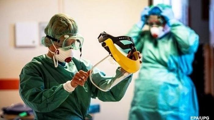 В Украине более 800 новых случаев COVID-19