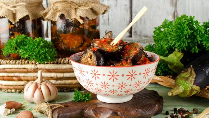 Баклажаны в остром соусе на зиму с кунжутом: рецепт приготовления