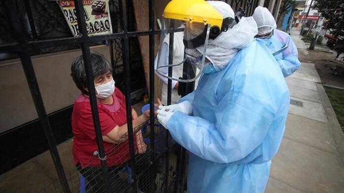Число случаев COVID-19 в мире почти достигло 19 миллионов