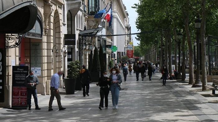 Во Франции впервые с апреля более 5000 случаев COVID