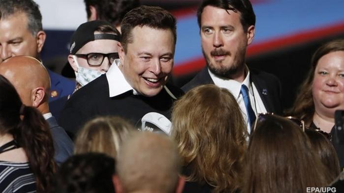 Маск вошел в тройку богатейших людей мира