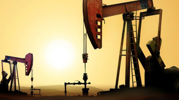 Нефть опустилась ниже $40 за баррель впервые с июня. Что случилось