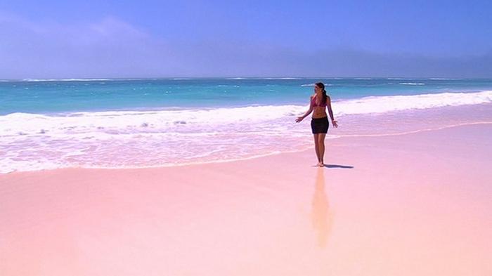 Француза оштрафовали на €1000 за песок с пляжа
