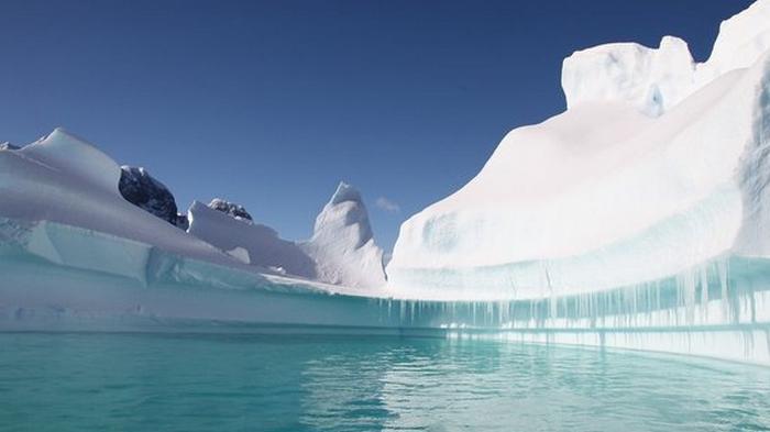 Тепло разрушило часть шельфового ледника Гренландии