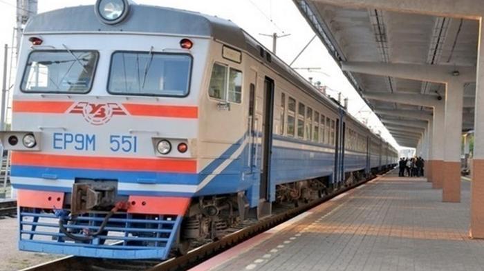 Укрзализныця временно остановила продажу билетов онлайн