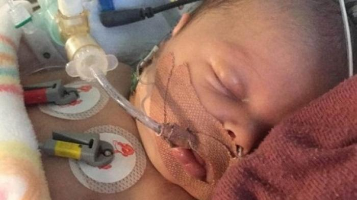 Новорожденный британец пережил три остановки сердца