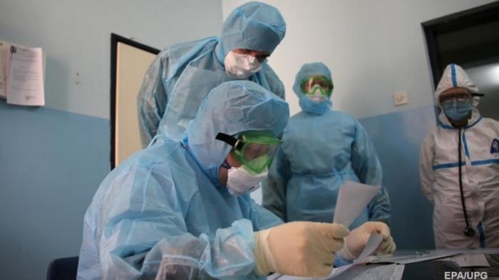 В Кривом Роге из-за контакта с больной COVID-19 изолировали 100 человек