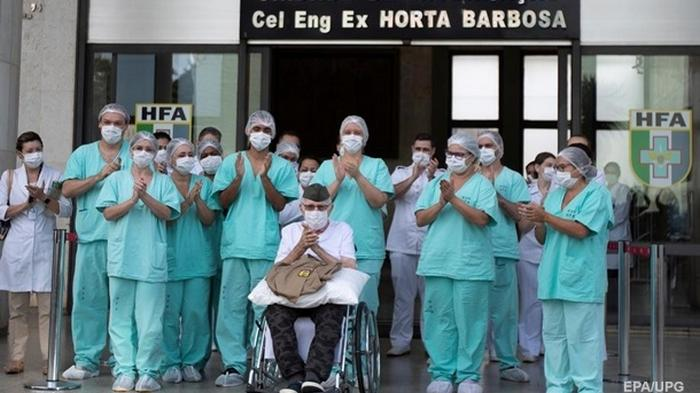 В Бразилии 99-летний ветеран войны вылечился от коронавируса (фото)