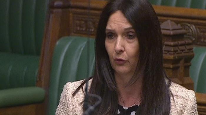 Депутату британского парламента грозит штраф из-за коронавируса
