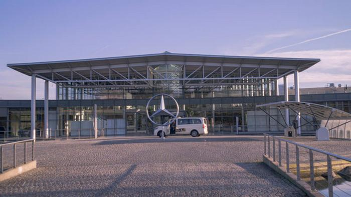 Добиться рентабельности: производитель Mercedes-Benz урезает расходы