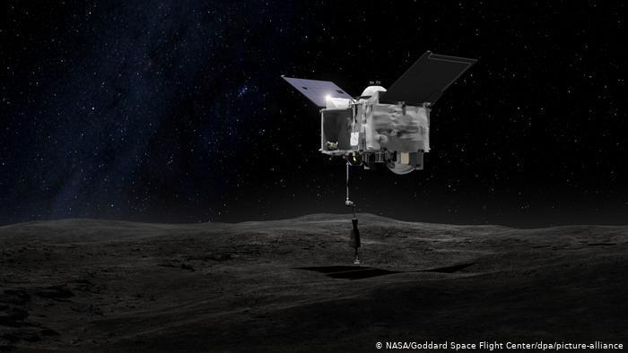 Космический зонд сел на астероид, сдул с его поверхности образцы и улетел – видео из NASA