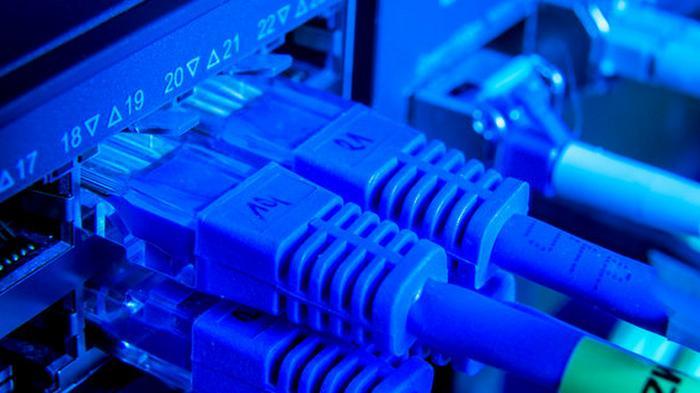Минцифры усилит контроль за подключением школ к интернету