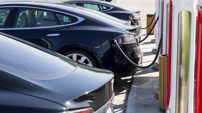 Когда электромобили сравняются в цене с традиционными авто – исследование UBS
