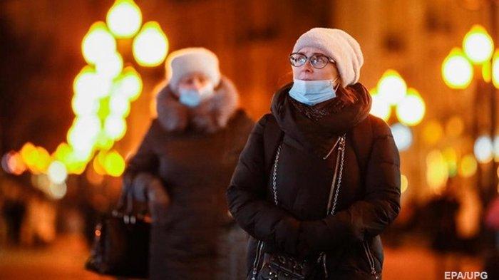 В РФ почти 500 смертей от COVID за сутки
