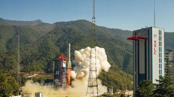 Китай успешно запустил спутник зондирования Земли