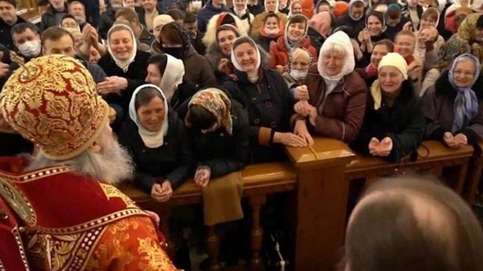 Из-за толп на Пасху карантин могут не ослабить