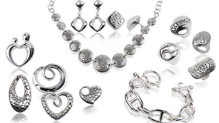 Как правильно дарить серебряные украшения