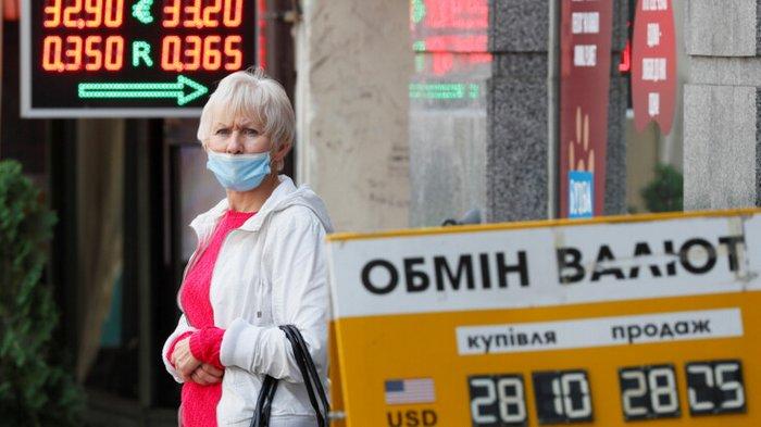 Доллар и гривня: экономист сказал, что будет с курсом валют в 2021 году