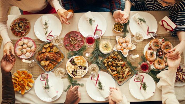5 правил питания в гостях – для тех, кто устал праздновать