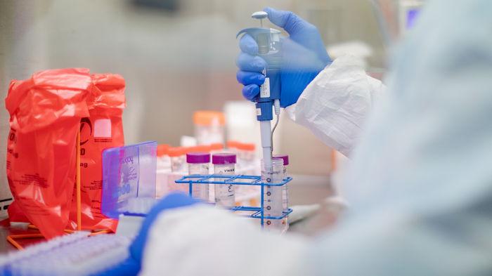 В мире уже более 96 миллионов случаев COVID-19