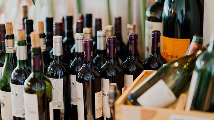 Во Франции поймали банду похитителей редкого вина