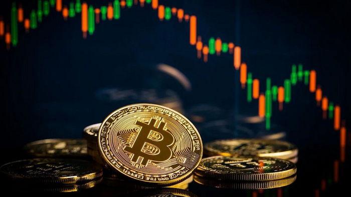 Цена биткоина впервые подскочила выше $53 тысяч
