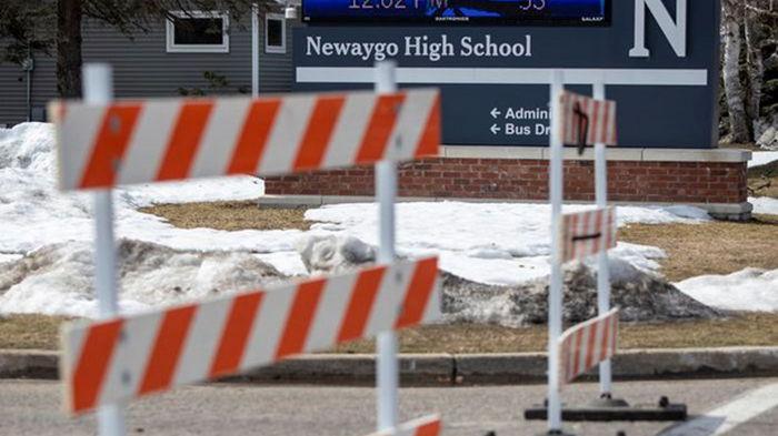 В школе в США взорвалась самодельная бомба, есть пострадавшие (фото)