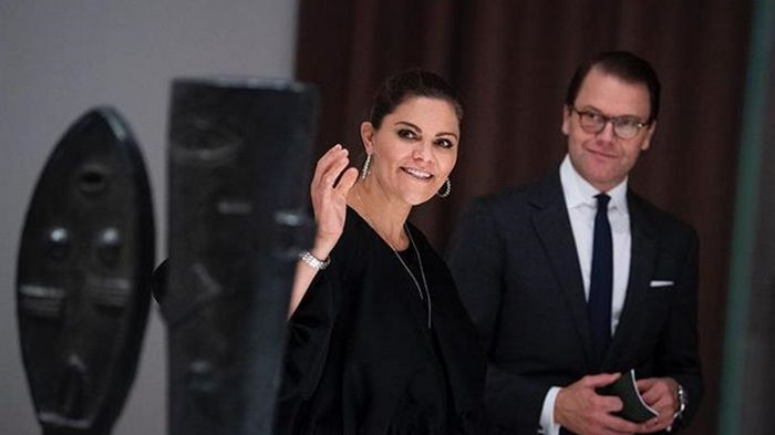 Шведская кронпринцесса и ее супруг заразились COVID-19