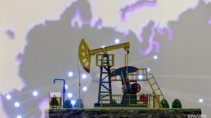 В России добыча газа упала, нефти - выросла