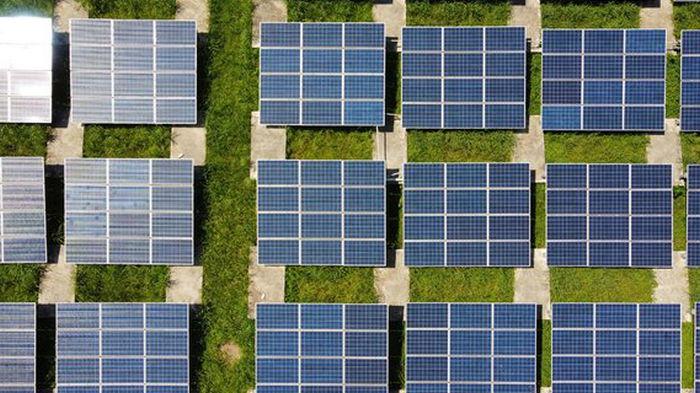 Китай создал технологию, превращающую солнечную энергию в жидкое топливо