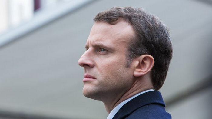 Франция на месяц закрывает Париж и несколько северных районов