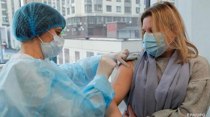 Степанов рассказал о новых контрактах на вакцины