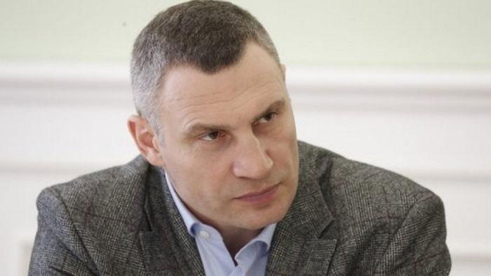 Кличко обвинил маршрутчиков в шантаже из-за повышения цен за проезд