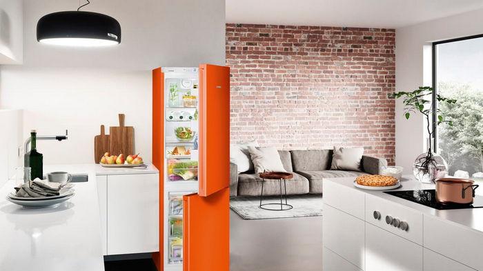 Как избавиться от запаха в холодильнике: 3 проверенных средства