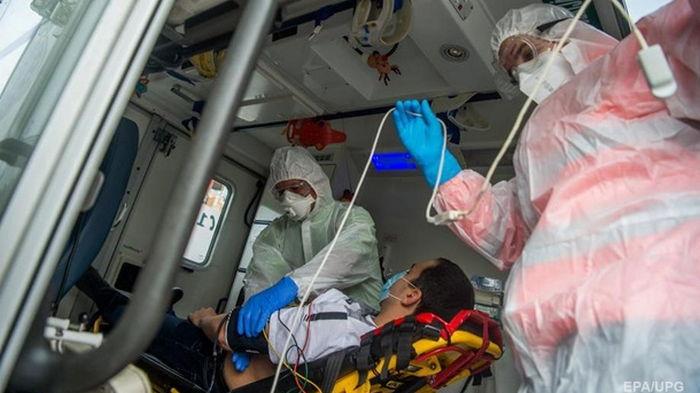 В Украине за сутки 290 смертей от коронавируса