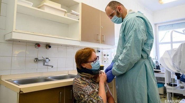 В Украине за сутки привили 18 тысяч человек