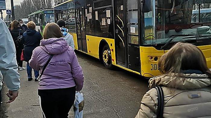 В Николаеве образовался транспортный коллапс