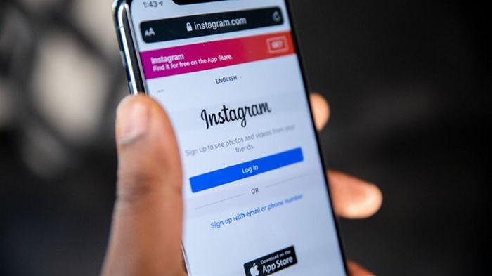 В работе Facebook, Instagram произошел сбой