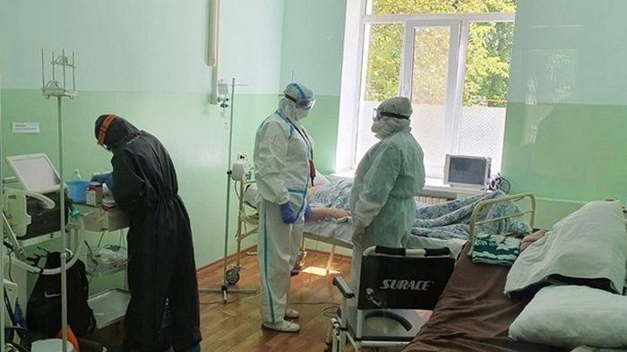 В Украине за день 8,5 тысяч человек заболели COVID