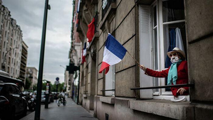 Макрон объявил о постепенном выходе Франции из локдауна