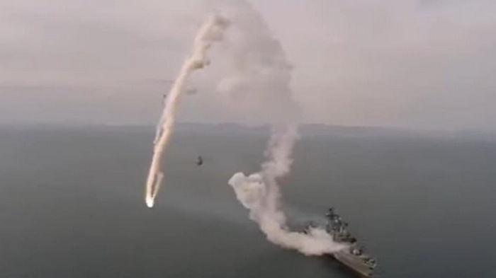 Неудачный пуск ракеты фрегатом РФ попал на видео