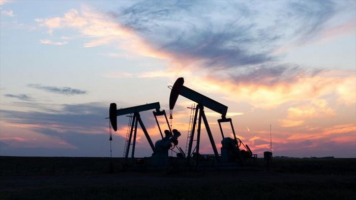 Цены на нефть снижаются на новостях из Индии