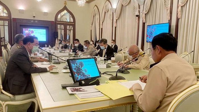 Вел заседание правительства без маски: премьера Таиланда оштрафовали