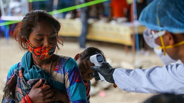 Непал оказался на пороге человеческой катастрофы из-за резкого всплеска COVID-19